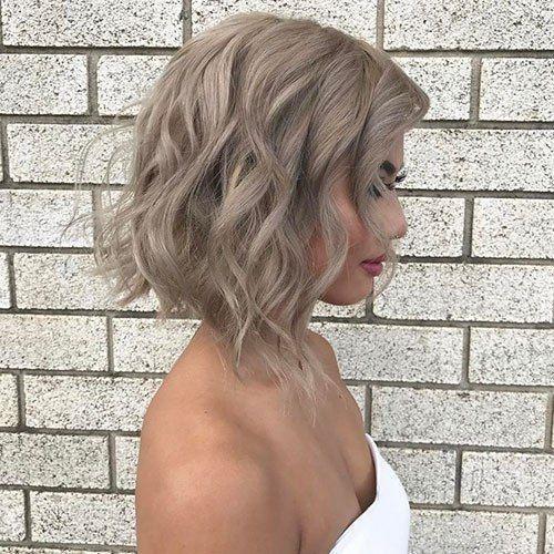 coupe-cheveux-court-femme-tendance-wavy