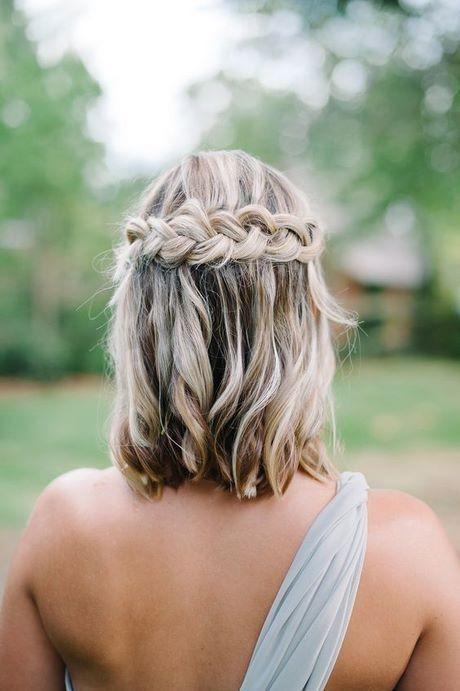 coupe-cheveux-court-tresse-femme-tendance