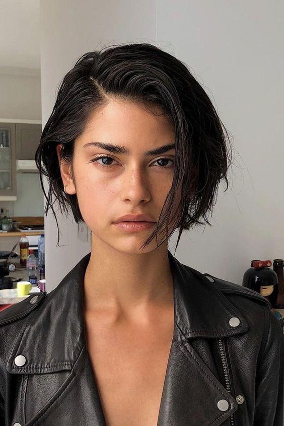 coupe-cheveux-courts-femme-tendance-2