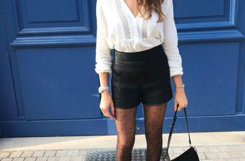 femme-avec-short-cuir-caraco-blanc