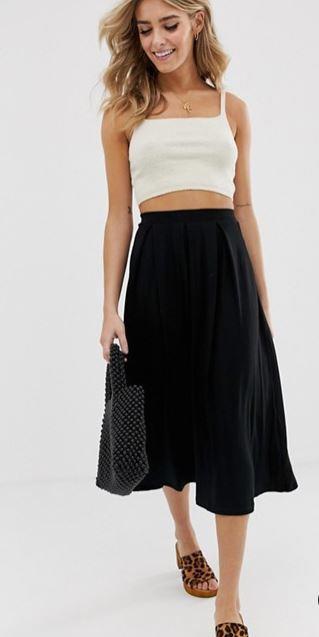 jupe-mi-longue-plis-plats-noire