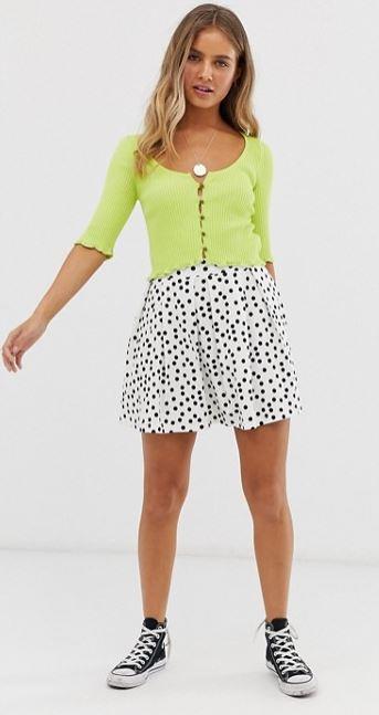 mini-jupe-blanche-motifs-pois