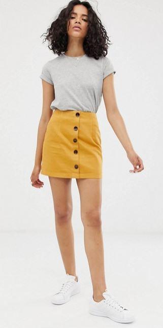 mini-jupe-jean-jaune-avec-boutons