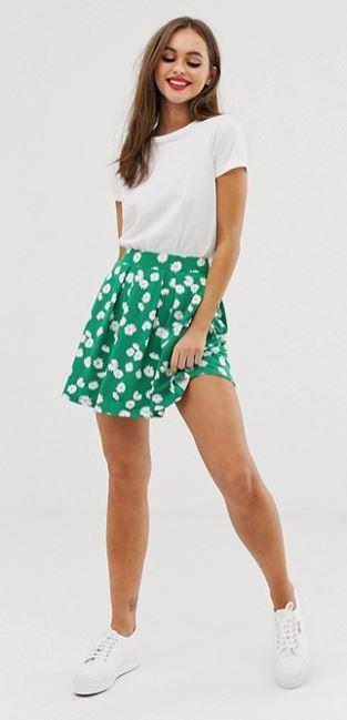 mini-jupe-plisee-verte-imprime-fleurs