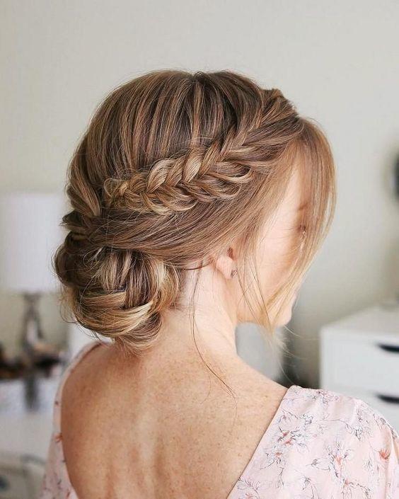 coiffure-tendance-femme-cheveux-long-avec-tresse