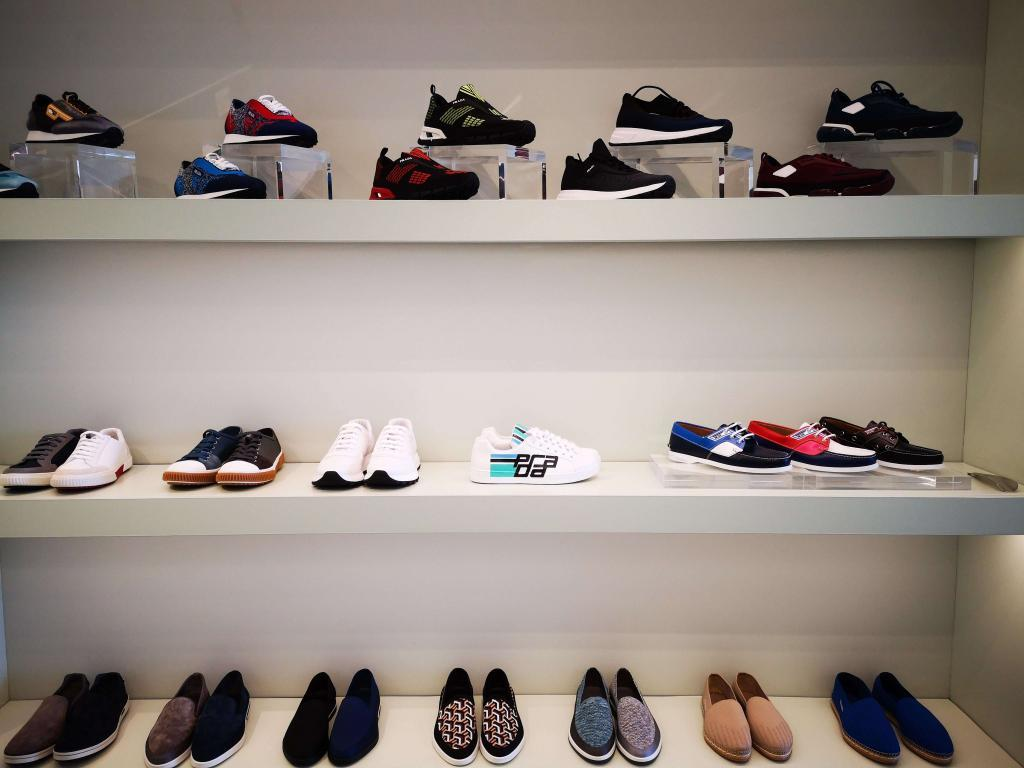 chaussures-prada-magasin-capri