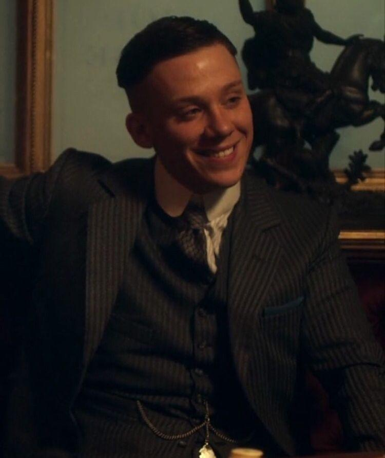 coupe de cheveux peaky blinders john shelby