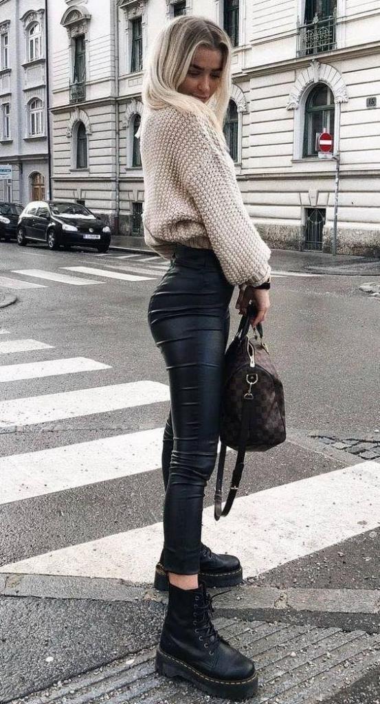 tenue d'hiver femme pantalon cuir noir