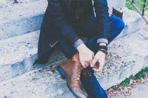 quelles chaussures porter avec un jean slim pour homme