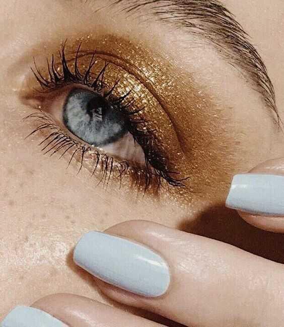 maquillage de fêtes doré