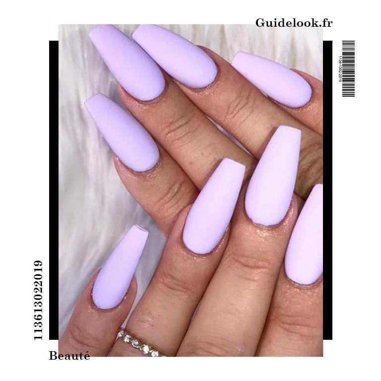 ongles violet pastel